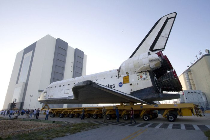 Space Shuttle Endeavour on a 76 wheel transporter. Credit: NASAKennedy